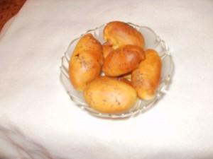 pierożki drożdżowe pieczone