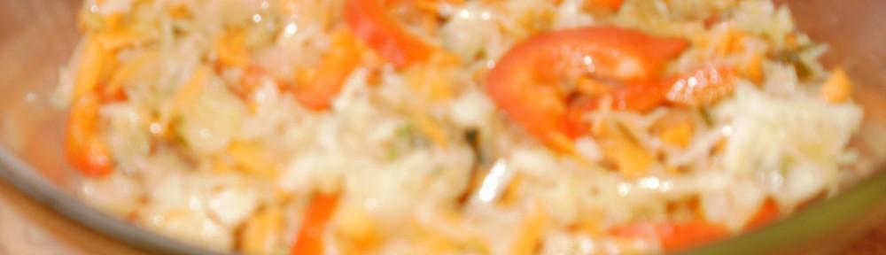 Surówka z kiszonej kapusty w zalewie