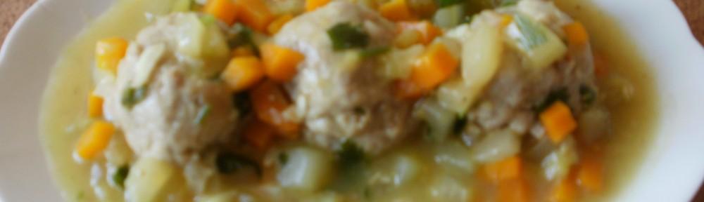pulpety w sosie marchewkowo-ogórkowym