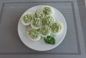 jaja faszerowane na zielono1