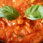 makaron z sosem pomidorowo-kurczakowym