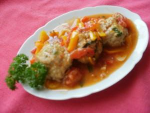 pulpety w sosie pomidorowo-paprykowym