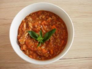 sos mięsno-warzywno-pomidorowy