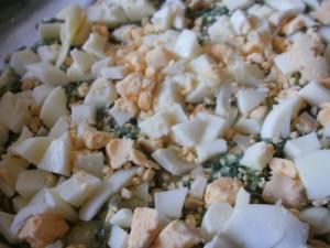 zapiekanka makaronowa ze szpinakiem jarmużem i jajkami