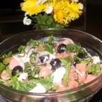 sałatka-z-arbuza-z-oliwkami-i-fetą