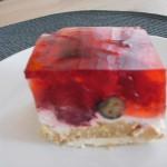 ciasto śmietanowo-truskawkowe na biszkoptach