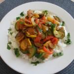 piersi-kurczaka-na-chrupiących-warzywach