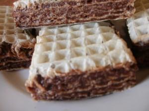 wafel śmietanowo-kakaowy z galaretką