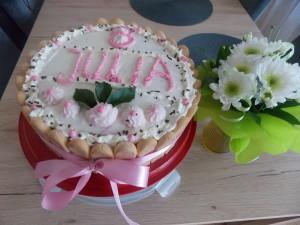 tort truskawkowy z galaretką Juli
