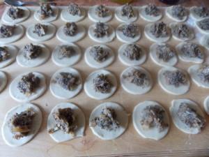 pierogi z kapustą słodką i grzybami (2)
