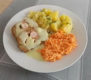 Pieczeń z mięsa mielonego z parówkami (3)