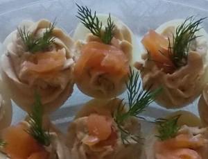 jaja faszerowane łososiema