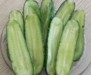 ogórki gruntowe małosolne na sucho (3c)