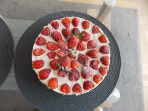 tort śmietanowo-truskawkowy (3)