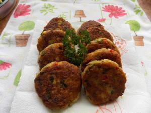 kotlety mielone z cukinii papryki marchewki szczypiorku (2)