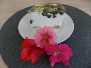 torcik serowy na zimno z borowkami (2)