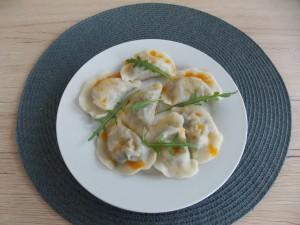 pierogi z serem i jarmużem (2)