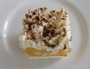 ciasto-cytrynowe-jabluszko-pod-serowa-czapa-2a