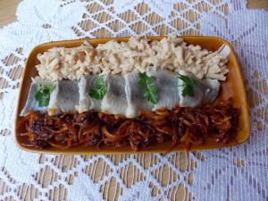 sledzie-z-jablkami-cebula-keczupem-3