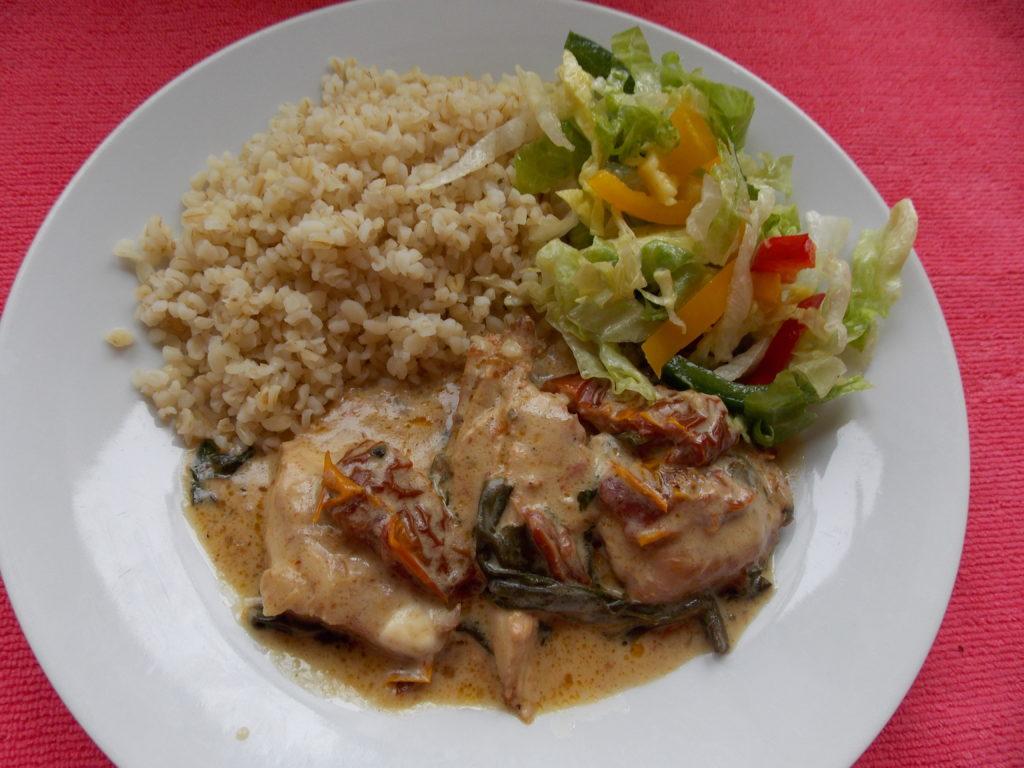 Piersi Kurczaka W Sosie Serowym Z Suszonymi Pomidorami Almanka W
